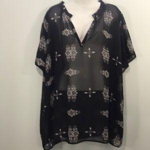 Umgee Women's Plus  Black/White Ikat Tunic Top 2XL
